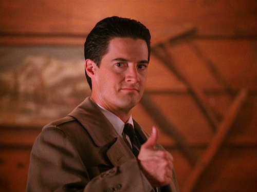 Thumbs up to a new season of Twin Peaks.